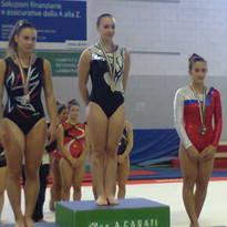 Elena sul podio ad Arcore